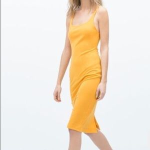 Basic fitted mustard dress